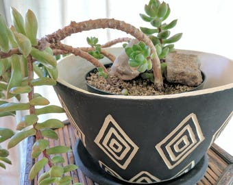 Black and White triangle planter