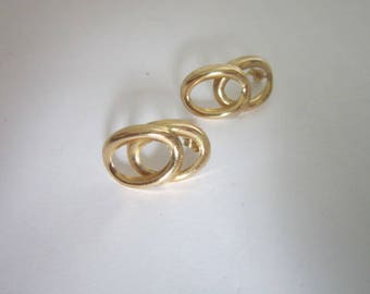 Vintage 14 K Solid Yellow Gold Double Ring Pierced Earrings Like New