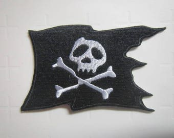 Pirate - Flag - Skull - Jolly Roger - Iron on patch