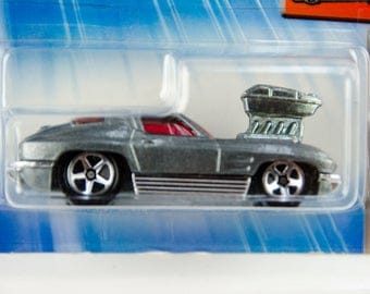 Hot Wheels 2004 First Editions Tooned 1963 Corvette #93 1/64 Diecast