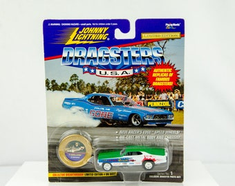 Johnny Lightning Dragsters USA Limited Edition '71 Revellution 1/64 Diecast Car