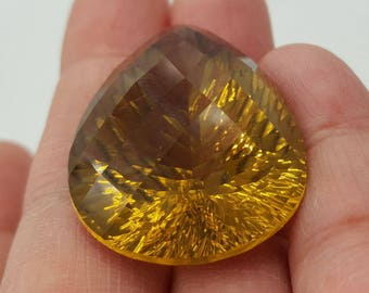 Lemon quartz brilliant –85.35 ct, Brazil-Pear-shaped facet brilliant