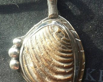 Fossil pendent set it sterling silver