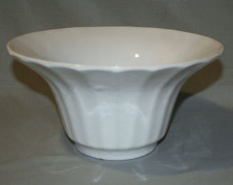"Bauer Pottery Hi-Fire 10"" Flower Bowl"