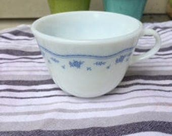 Pyrex vintage Morning Blue cup (1980's)