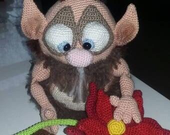 Fun crochet Troll with flower