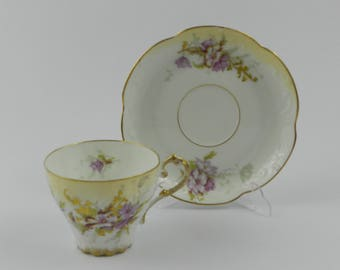 Porcelain cup - Vultury Freres, Limoges, France
