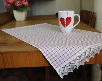 Table placemats, table runner, table center,  dining room decoration, tablecloth, checkered tablecloth.