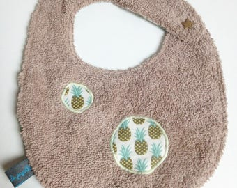 """Pineapples"" bib 0-12 months"