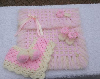 Baby girl/boy blanket sets with crochet accessories
