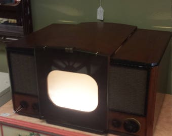 Vintage RCA Table Top TV Cabinet