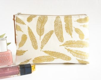 Makeup Bag, Cosmetic Bag, Makeup Zipper Bag, Gold Feathers Makeup Pouch, Toiletries Case, Bathroom Storage, Jewelry Case, Bridesmaid Gift