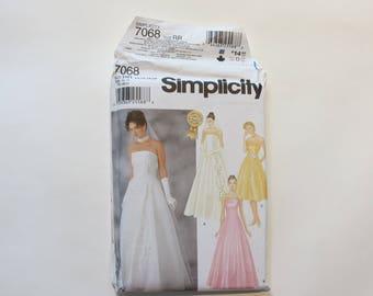 Simplicity Pattern #7068: Misses' Bridesmaid/Prom/Bridal Gown, Size RR (14-16-18-20) UNCUT