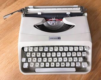 Underwood 18 Italian Vintage Typewriter