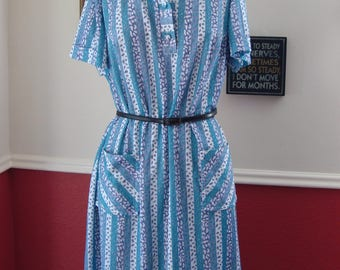 1950's Summer Tea Dress with Large Pockets (M/L)