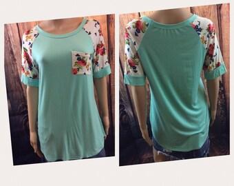 Floral Sleeve/Pocket Boutique Top