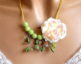 Green ceramic Flower necklace