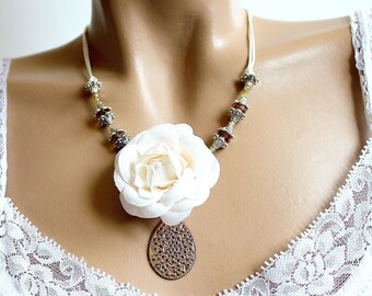 Flower white Topaz Crystal Necklace