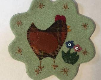 "7.5"" All Wool Top Chicken and Flowers Applique Table Mat or Wall Hanging"