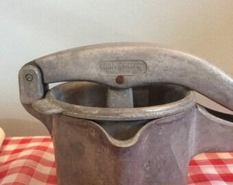 Vintage Italian VITAM Potato Masher, Vitam Press 2 Fruit Press, Vintage Italian Retro Masher, Vintage Kitchenalia
