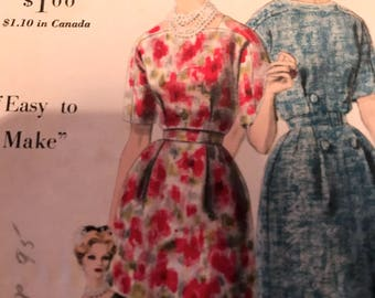 Vintage 1960's Chic Dress---Vogue 5118---Size 14  Bust 34