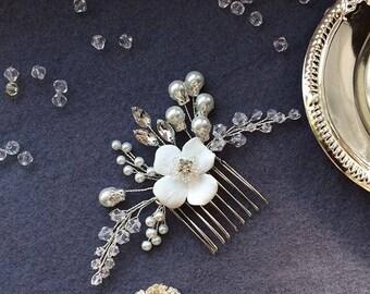 Wedding comb, Bridal comb, Wedding hair piece, Wedding hair comb, Bridal hair comb, Flover hair comb, Pearl hair comb, Crystal hair comb
