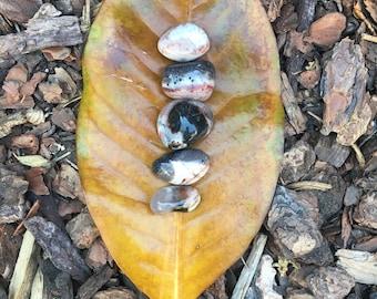 Sardonyx tumbled crystal stones