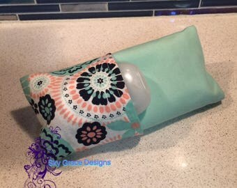 Tissue Holder with Antibacterial Pocket