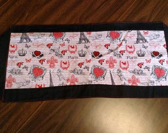 Valentines Day Reversible Table Runner
