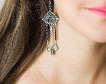 Earrings ethnic triangle dark blue and silver chains
