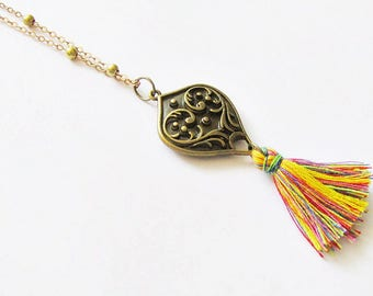 Chic bohemian heart with multicolored tassel necklace
