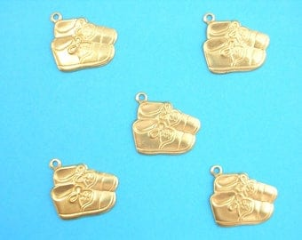LOT 5 METALS CHARMS Gold: Shoe 18 mm baby