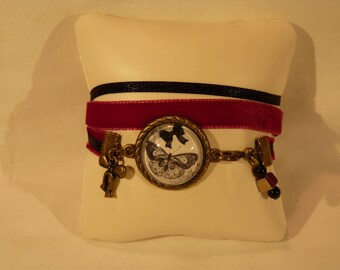 Bracelet with a little retro Ribbon and cabochon