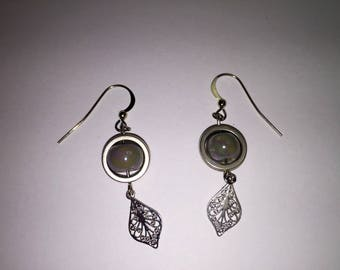 Thin, delicate and lightweight Silver earrings