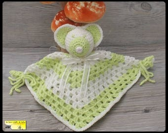 Toy mouse crochet: lime green and ecru