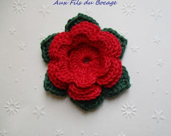 Flower and leaves crocheted lotus flower in cotton
