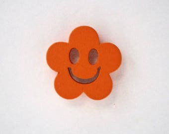 Wooden face of smile 19 x 10 mm flower button: Orange - 001886