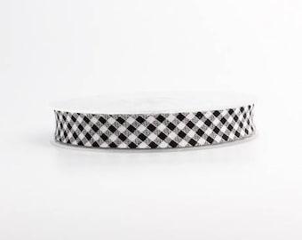 Black and white 18 mm gingham bias folded 9 mm