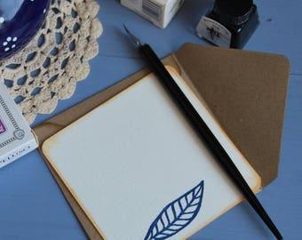 "Pack of 6 handmade and handstamped greeting cards with envelopes ""foglie blu"""
