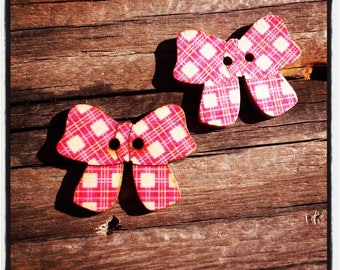 Set of 2 wooden buttons red bows