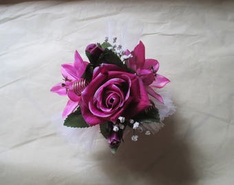 Table centerpiece, white, pink and purple