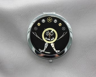 "Pocket mirror ""The juggler"" Steampunk watch parts and resin"