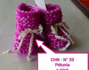 Christmas decoration idea - Christmas # 20 slippers gray hand knitted fuchsia