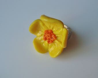 YELLOW POLYMER CLAY FLOWER RING