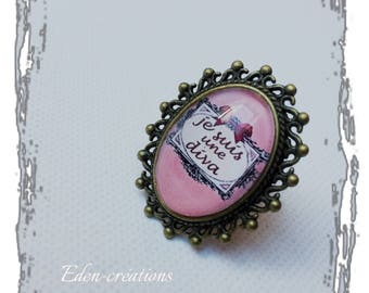 Glass cabochon ring, I'm a diva, amusing, message jewelry, pink and bronze