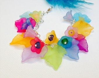 Bracelet colorful and cheerful multicolored frosted leaves and flowers charms