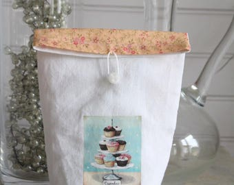 Bags, white linen pouch and closed with peachy orange flowers, transfer cakes blue fabric