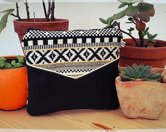 Maia pouch