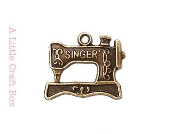 "6 charms / pendants ""singer sewing machine"" - bronze color"