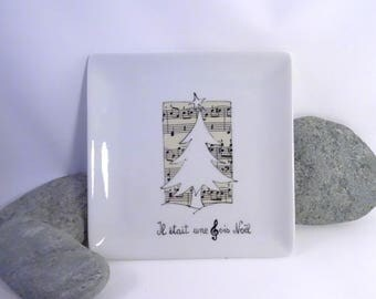 Christmas in black and white, customizable 16 cm plate